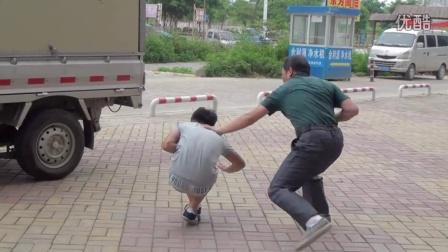 """汤师傅""""截拳咏春拳术""""-----街头格斗演武"""