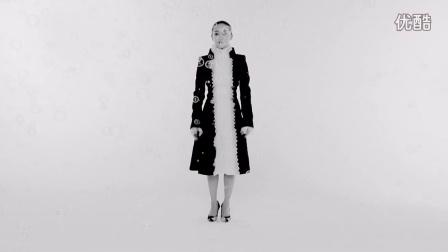 周迅登《时装L'OFFICIEL》九月封面 演绎艺术与时装的双重致敬
