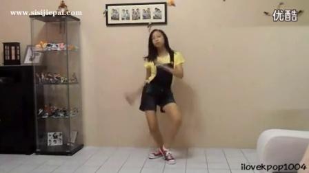 帆布鞋热裤女生跳舞