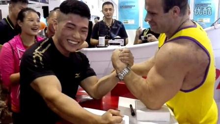 中国腕力 只有黑木耳能赢丹尼斯