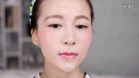 人气Model Tomo的渐层唇妆好easy