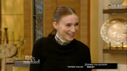 【RooMa字幕组】Rooney Mara talks 'Pan' on Live! with Kelly and Michael