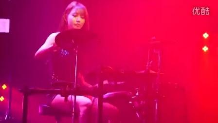 原来鼓手也可以这么漂亮!韩国美女乐手雅妍