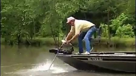 钓鱼真是一项危险的运动啊_标清