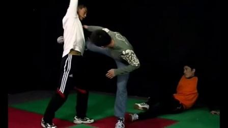 散打技巧视频  自由搏击技巧 散打训练方法