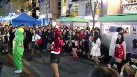 韩国新村 万圣节热舞