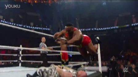 WWE擂台边的痛!痛!痛!看得都觉着痛!