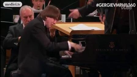 格尔吉耶夫指挥普罗科菲耶夫钢琴协奏曲一号,丹尼尔·特里福诺夫演奏