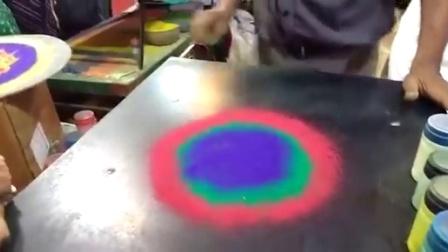 【发现最热视频】太漂亮了!花纹是这样画成的
