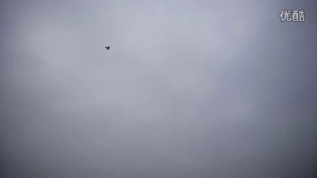 玩航模飞机飞翔
