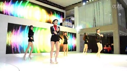 2015广州国际车展帅哥靓女热歌热舞超高清视频10 陆风展台韩模热舞