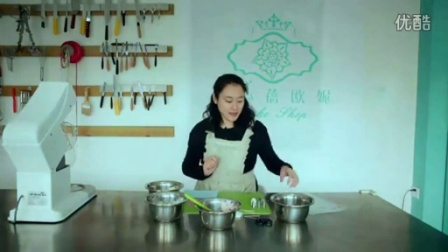 如何用电饭锅做蛋糕1黑天鹅蛋糕