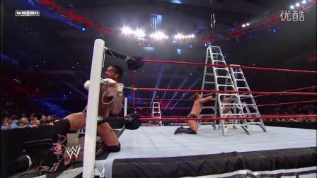 经典TLC:CM朋克手脚被链锁扣紧 缠斗米兹、德-里奥