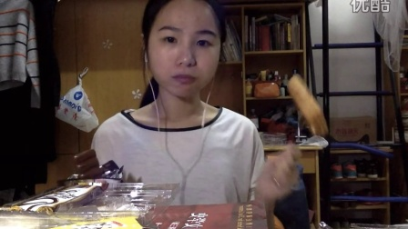[11爱吃饭的妹子]德芙巧克力+夹心卷饼干+面包一个 吃播