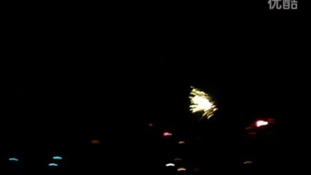 2014春节洞庭湖畔出天星 烟花易冷 凝望如伤