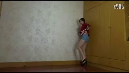 短裤长腿美女自拍热舞-美女热舞