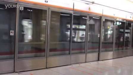 港铁东涌线(香港方向)南昌进站