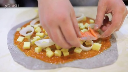 当馕坑邂逅披萨,这并不是嘎嘣脆的烤馕!