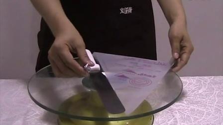 看完刘清蛋糕培训学校的这个视频,感觉我能自己动手了。MOV04B