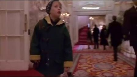 Trump 在小鬼当家2里的镜头