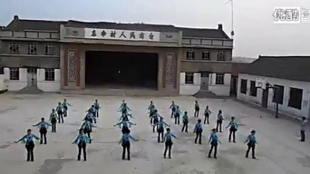 陵川县礼义镇东伞村广场舞纳西情歌