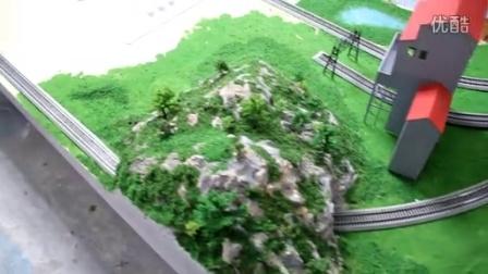 老年人手工制作模型动态火车