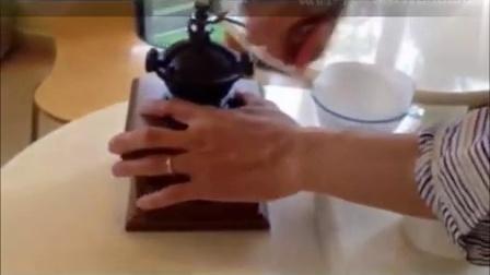 日本Kalita经典铸铁密封手摇咖啡磨豆机研磨器
