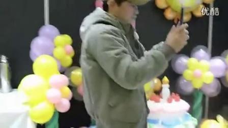 气球达人的布置(生日蛋糕)_高清