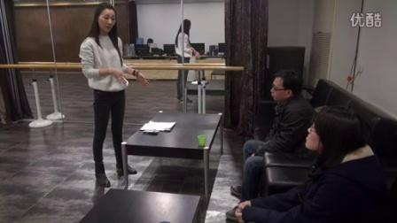 表演老师张芮歌大动肝火,因为...