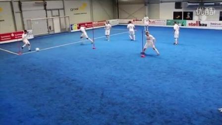巴塞罗那战术:小范围跑动一脚传球 - YouTube【天空蓝Ken】