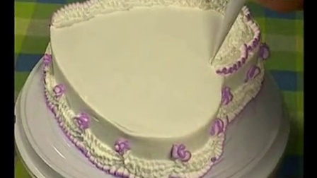生日蛋糕的制作方法 烤箱烤蛋糕制作方法_标清