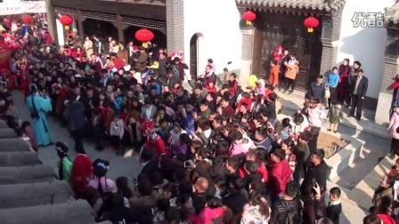 公众号临沂圈:旅游界一匹黑马,临沂龙园景区古城春节庙会2日游客达10万人二