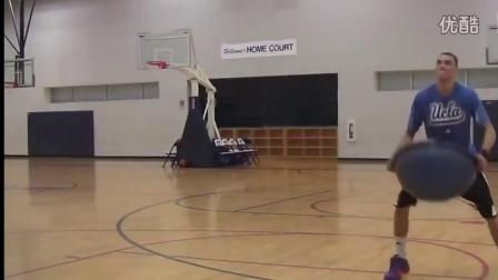 如何成就扣篮冠军!拉文和这个胖训练师训练视频曝光