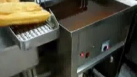 1台湾香酥大油条做法创业小吃炸油条配方配料无矾油条技术  家庭油条的做法和配方9