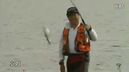 钓鱼搓饵制作视频_用红虫钓鱼怎样挂钩_草鱼用什么饵最好钓