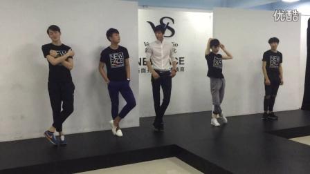 平面pose模特培训腿部动作分解男生上课篇