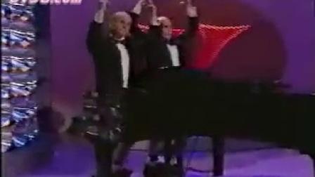 钢琴-经典-搞笑-美国-非看不可-搞笑视频搞笑经典