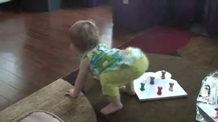 【发现最热视频】将来也是个电臀!小萝莉的舞蹈棒呆了