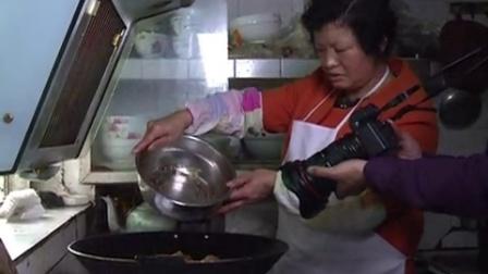 传统手工美食  ,四川宁县蜀南竹海名小吃张大姐黄粑。