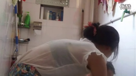20130819妈妈在帮我洗澡_标清