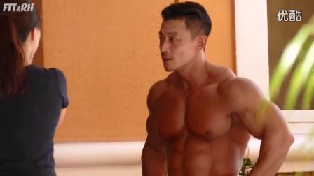 韩国健美元老级人物 金俊浩肌肉展示 纽约健身杂志写真