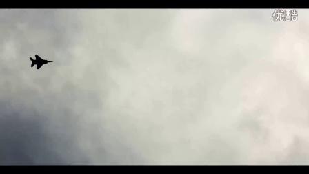 中国无人机跟踪美国F15战机