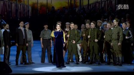 俄罗斯歌曲 向斯拉夫女人告别 2016年5月8日庆祝胜利日克里姆林宫节日演唱会 演奏合奏:亚历山德罗夫红旗歌舞团,俄罗斯海军中央乐团和普列奥布拉任斯基团的军乐团