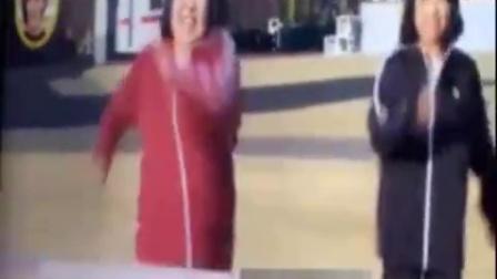 8【搞笑视频】摔跤摔出新高度