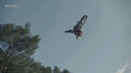 摩托车越野赛 Thomas Pages Lands FMX First 540 Alley - Oop Flair - JUMP