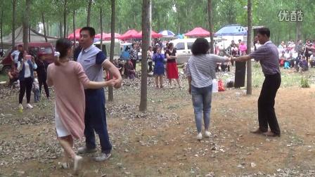 曲阳大西旺村广场舞00026