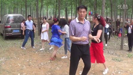 曲阳大西旺村广场舞00029