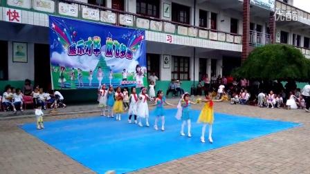 陕西扶风牛蹄小学一年级张老师编排的庆六一节目