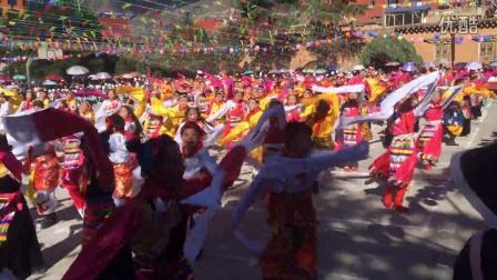 巴塘县人民小学课间弦子舞