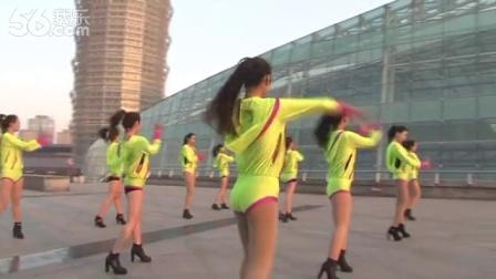 最新神曲《我的朋友圈》爆红网络_美女广场舞
